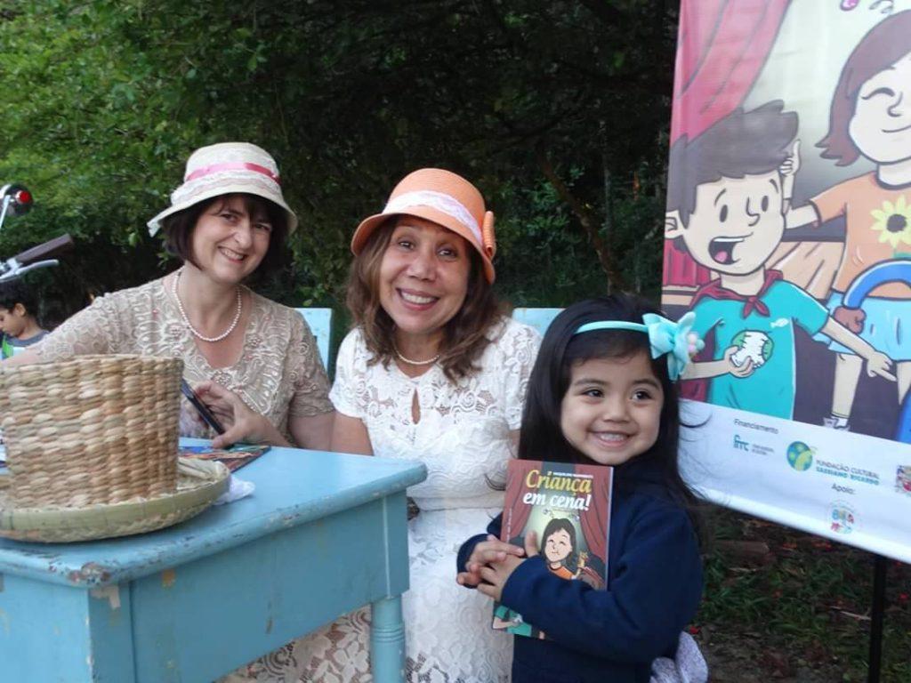 """Lançamento do Livro """"Criança em Cena"""" no Parque Vicentina Aranha."""