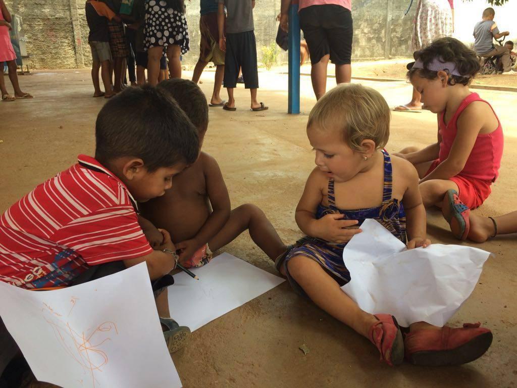 Ações em Abrigo de Refugiados.
